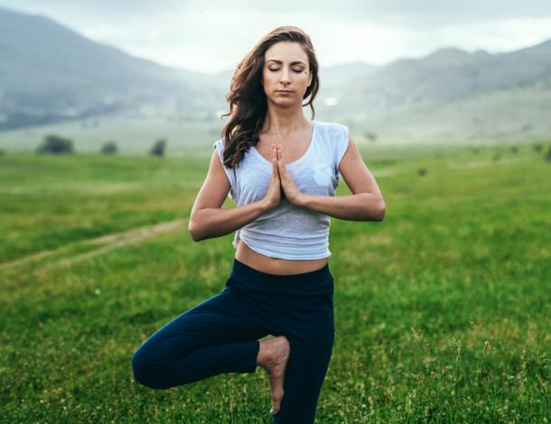 Saiba mais sobre os benefícios que o yoga pode oferecer a sua vida
